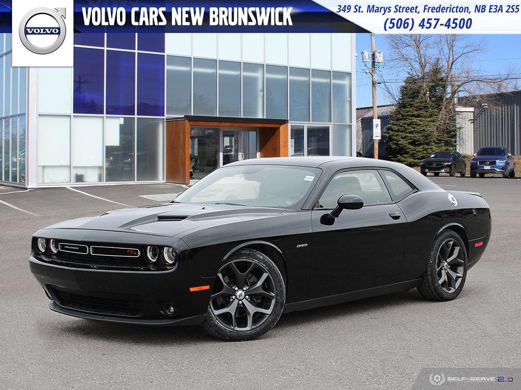 Rear Wheel Drive Small Sporty Pre Owned 2017 Dodge Challenger R T