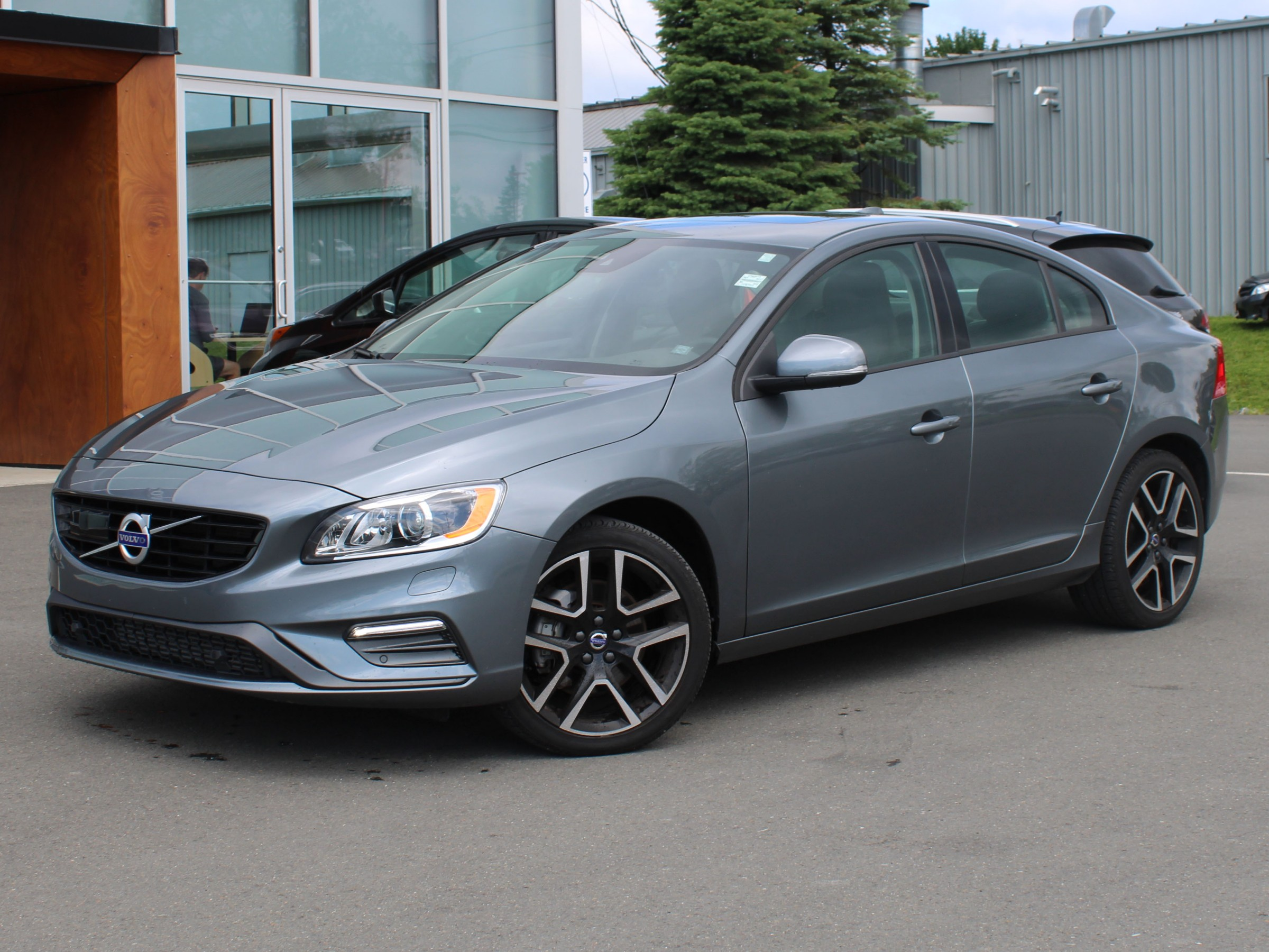CERTIFIED PRE-OWNED 2018 VOLVO S60 T5 DYNAMIC AWD