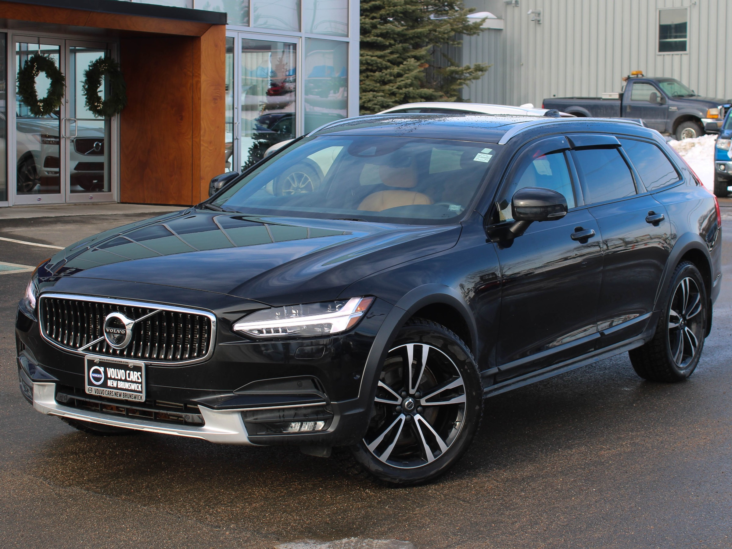 Certified Pre-Owned 2018 Volvo V90 Cross Country T6